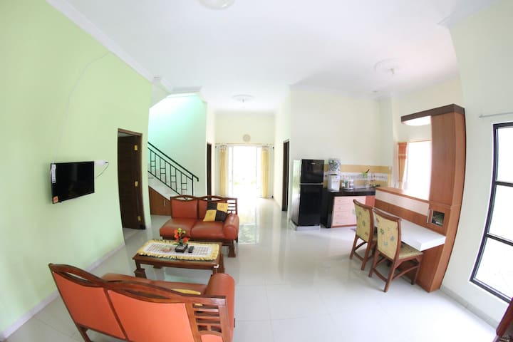 Spacious rooms in a newly-built house - Ngaglik - House