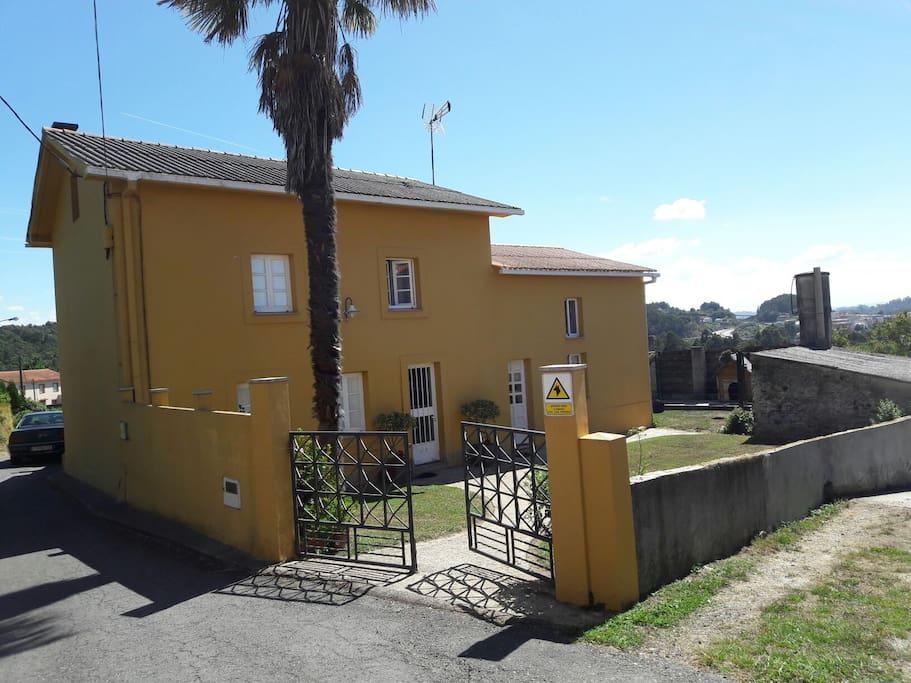 Casa de planta baja a 10 min de la playa de mi o casas - Alquiler casa mino ...