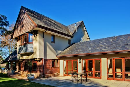 Eagle Wind Manor Guesthouse - Durban