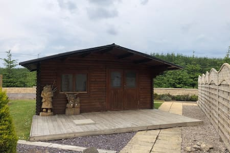 Lochinvar - Shetland Budget Log Cabin with Hottub
