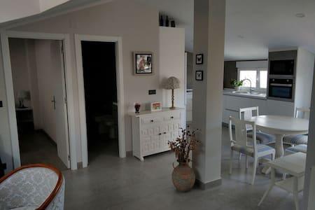 Atico con terraza, casa unifamiliar en Merindades