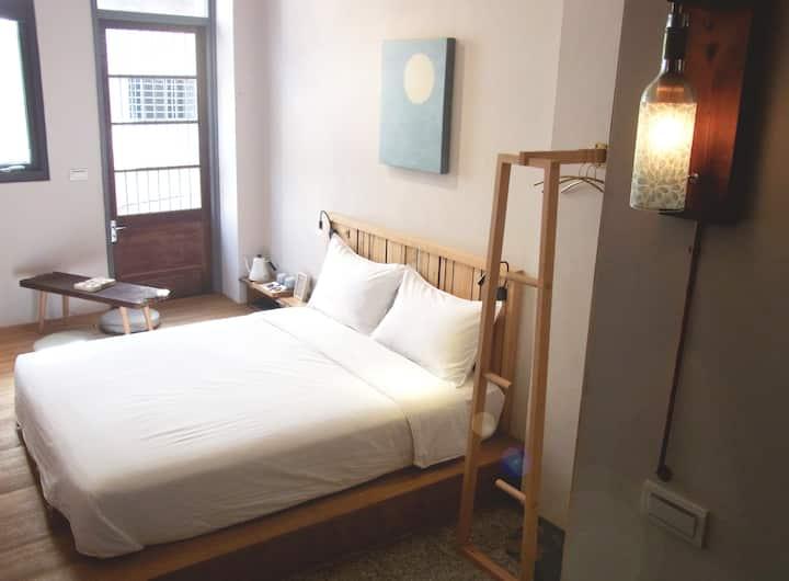 木梁作/木工雙人房/獨立衛浴/體驗中西區老房子的優雅和手作人的誠意