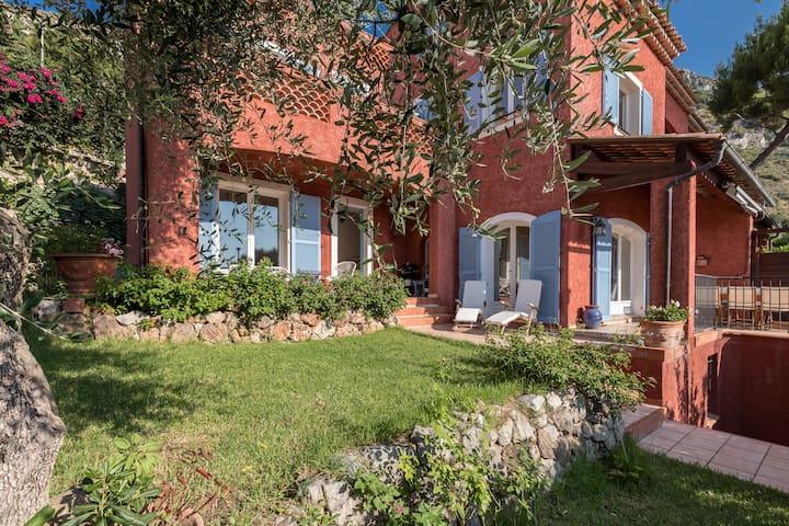 Villa Rouge sur la Côte Azur
