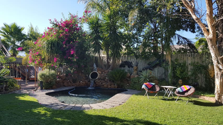 The Orange Bowl Pool Cabin - Paarl - Apartment