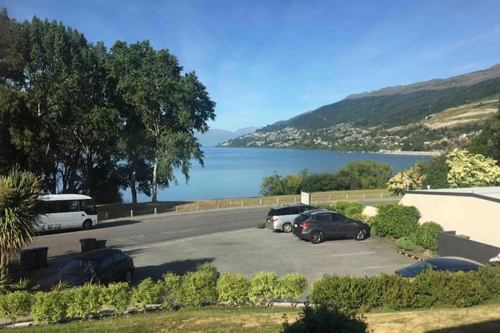 Lakeside Apartment in Frankton, Queenstown.