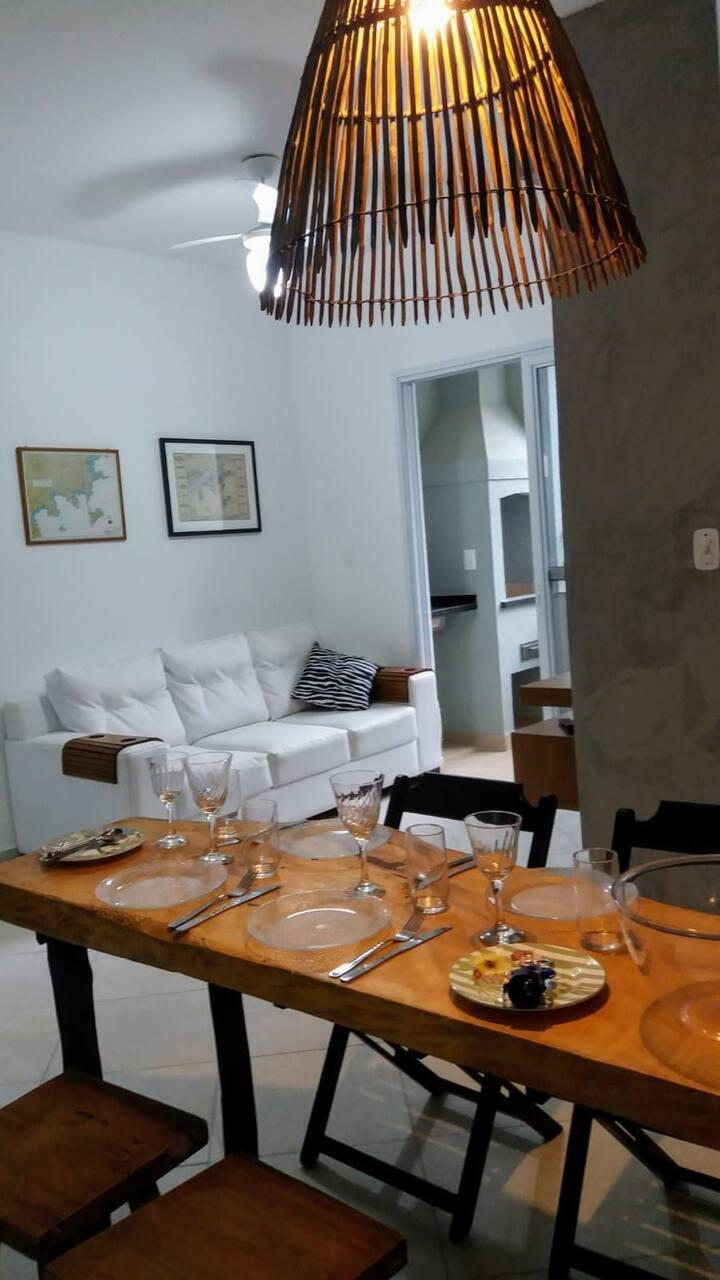 Apartamento wi-fi churrasqueira piscina no Itagua