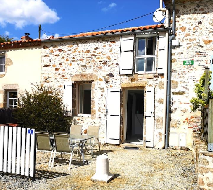 Gîte Le Verger ( 4 pers.) à 6 km du Puy du Fou