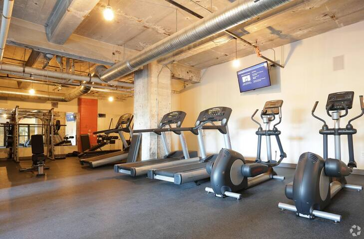 Worried about getting your workout in while on the road? Start off or end your long day in our large fully equipped gym with top quality workout machines.