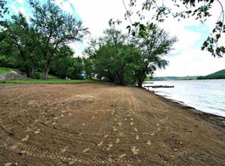 Private sand beach on the banks of the Ohio