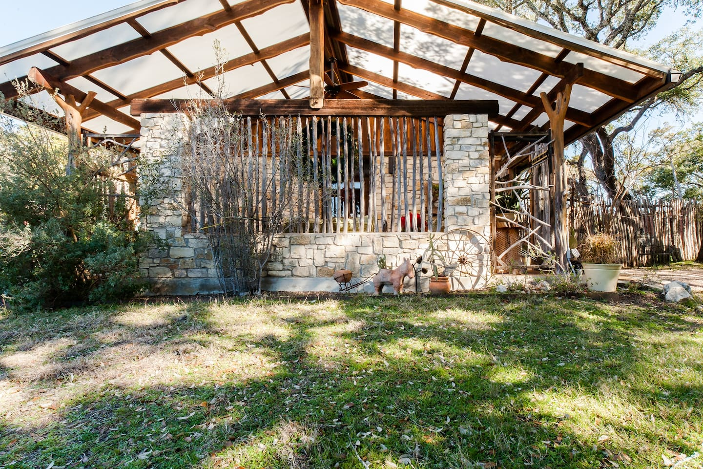 listings lodging country wimberley peaks premier hill canyon unit cottages at