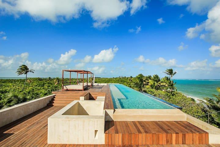 Villa Na'iik Spectacular Tulum Beachfront