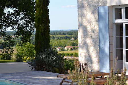 Stunning views and private pool • LOUBS • - Loubes-Bernac - Haus