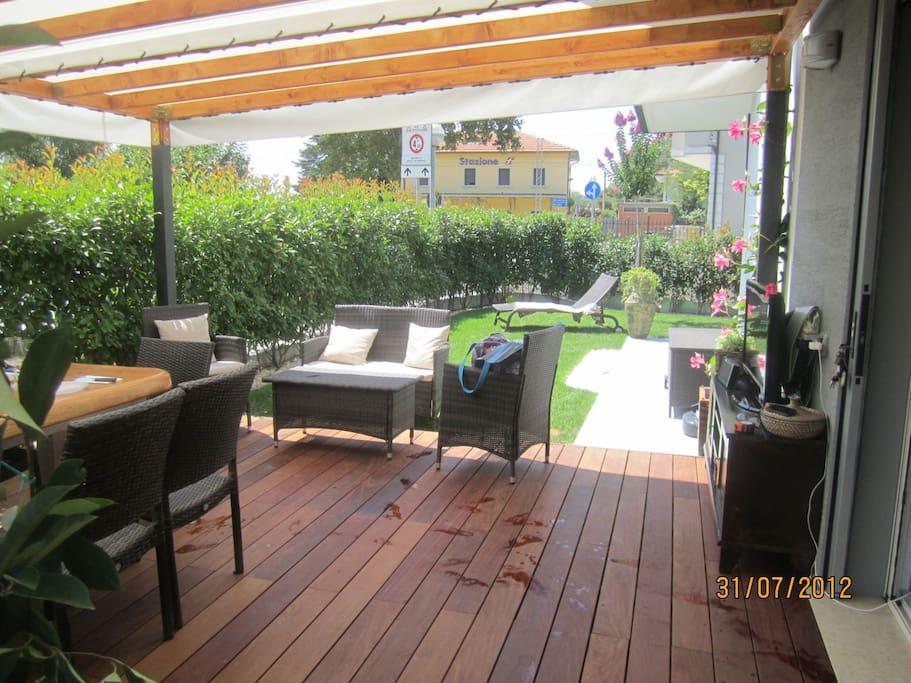 Bilocale p terra giardino privato torre pedrera for Giardino rimini