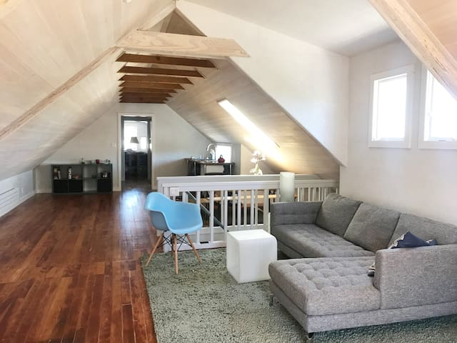 Amazing Loft for Two in SF Sun Belt!