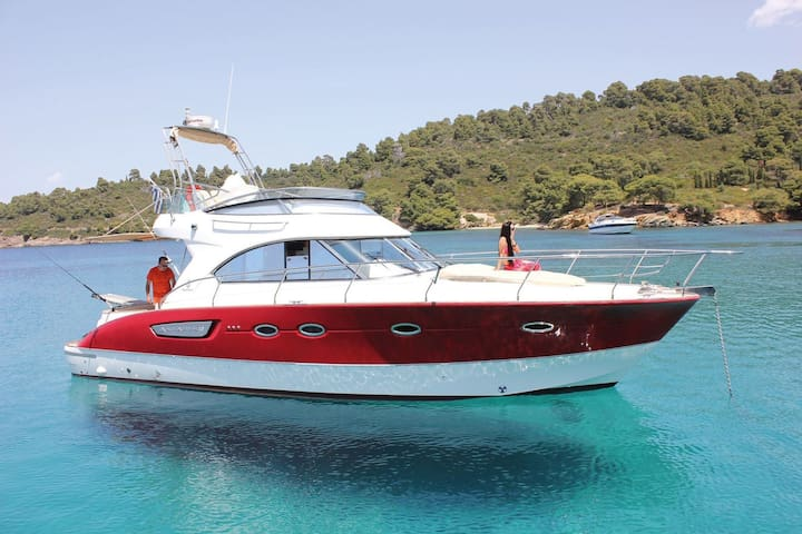 Beneteau Antares 12 / Red Line / Luxury Yacht