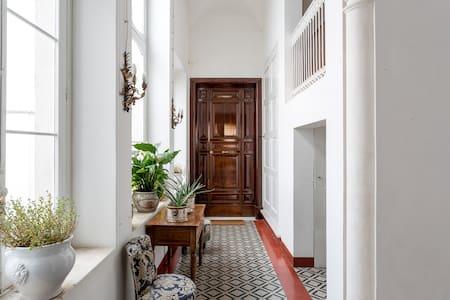 Appartamento ottocentesco in centro - Casa