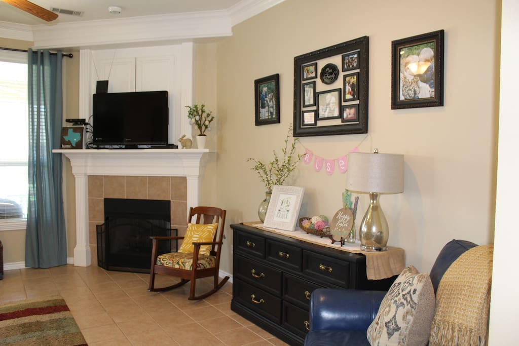 Living room, large TV and gas fireplace
