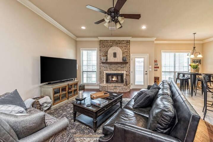 Waco Vacation Rentals House Sleeps 9