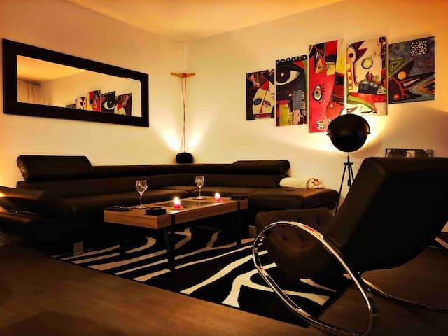 Apartment with balcony Paris/Suresnes 55M²