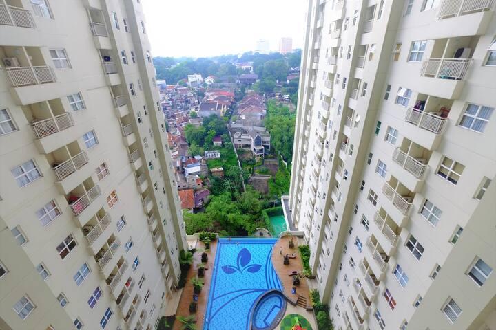 Modern Cozy 1BR Apt @Parahyangan Residence