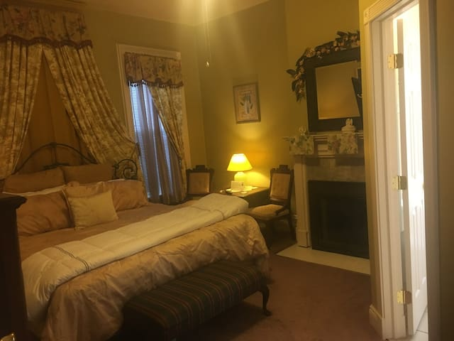 Bayberry House Bed and Breakfast, King Room with Fireplace and Private Bath with Shower