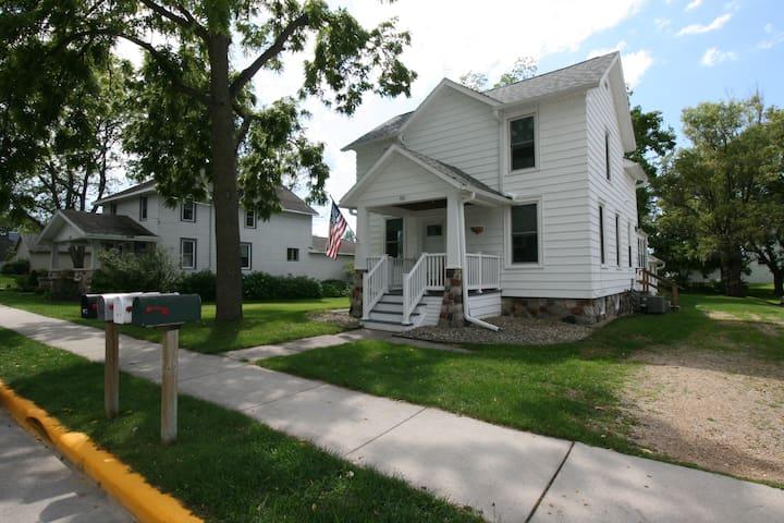 Lake Street Casa Blanca