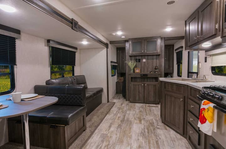 Stagecoach 2020 RV Resort Lot 8 Package