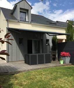 Maison familiale à 3 min de la mer - Arradon - Casa