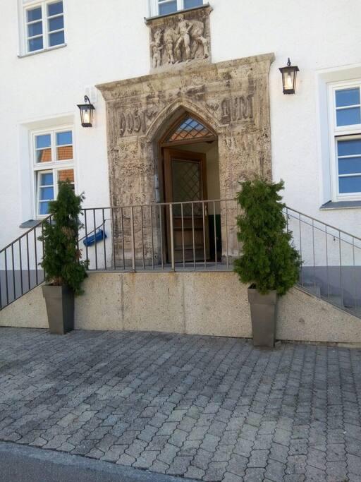 Aussenansicht-altes Postgebäude Tegernsee