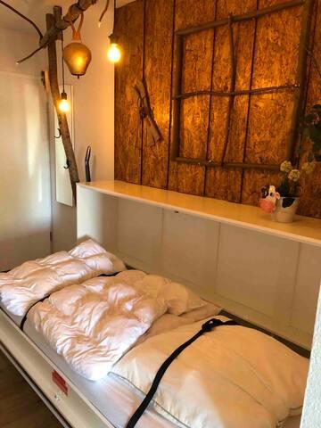 Komfortables Schrankbett für eine Person