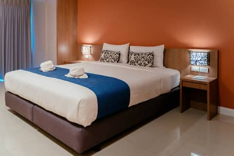 Nice Standard Room at It's me Keawanong Hotel