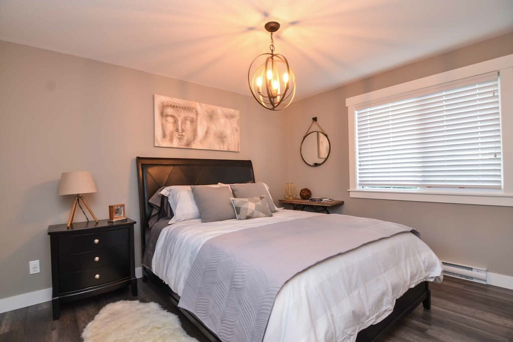 Cozy Master Bedroom with large and spacious clothes storage area perfect for even longer term stays!