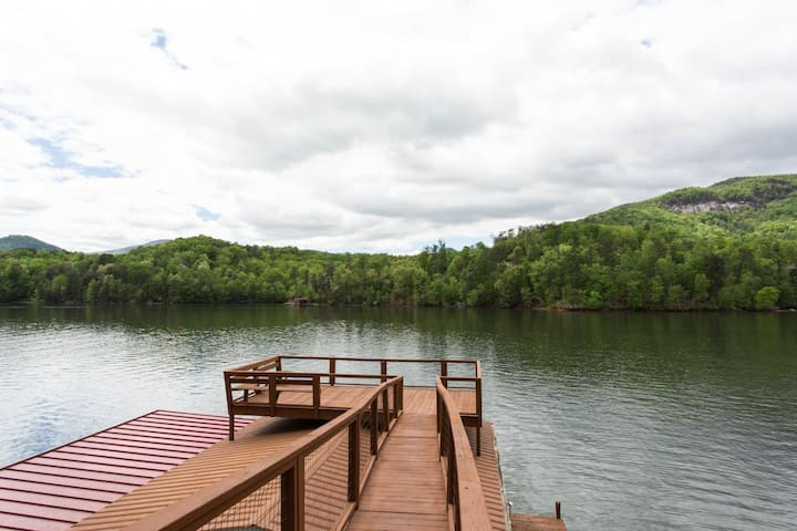 BOOK NOW! Wallace Lake House - Carolina Properties
