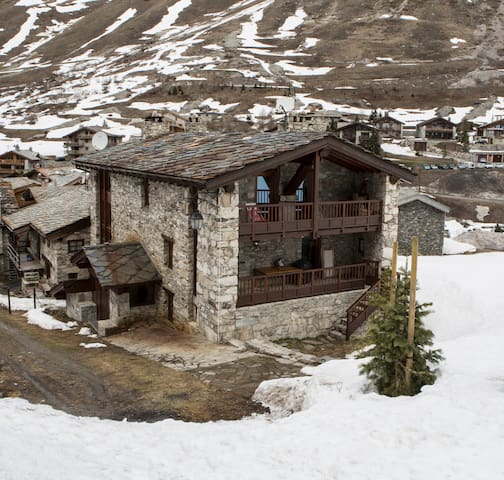 Studio Flat in Mountain Chalet