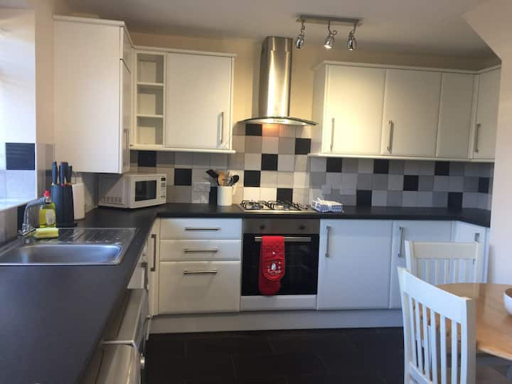 Abingdon 2 bd hse,  garden, parking, new refurb !