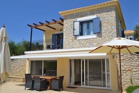 Fairway residence - villa Serene - Gialova