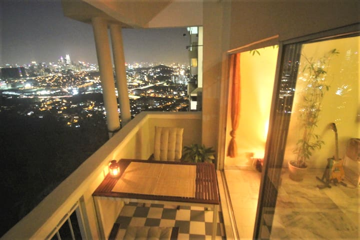 City View, Jungle and cool Air, for monthly rent
