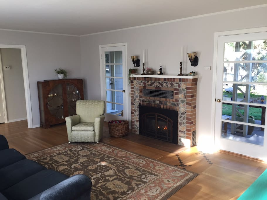 Easy-to-use gas fireplace