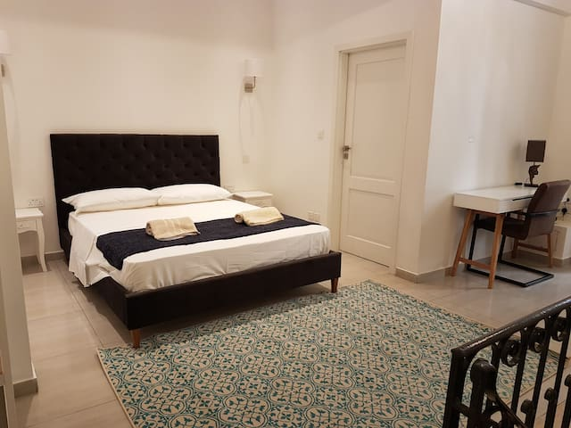 Valletta Boutique Escape