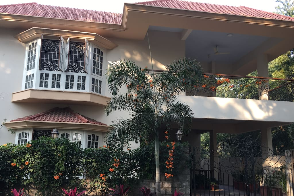 Front Elevation /Entrance