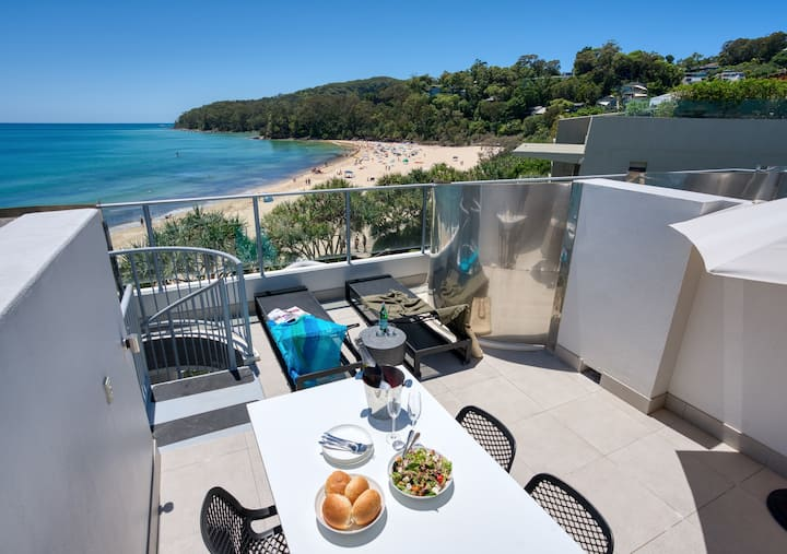 Noosa Beachfront Spa Studio Penthouse