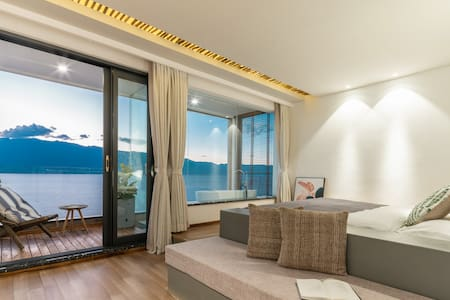 全海景浴缸大床房—半山别墅/免费接送—房间有露台/有早餐