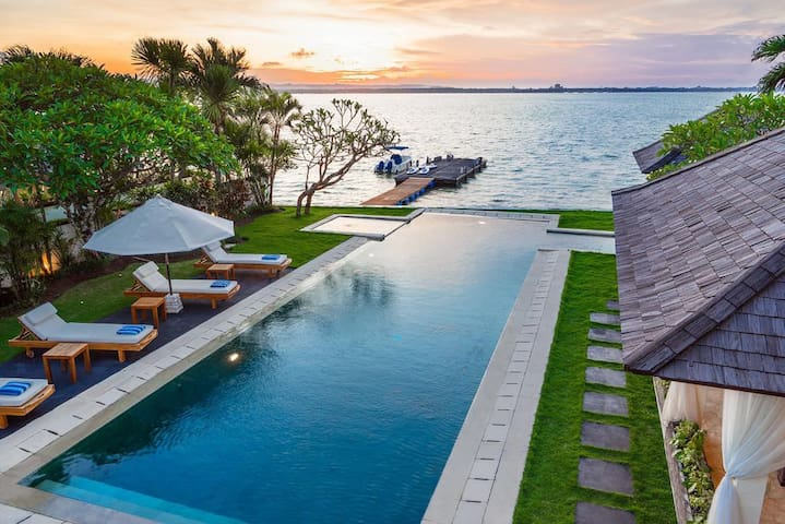 Luxury 3 BDR Beach Front Villa with Benoa View