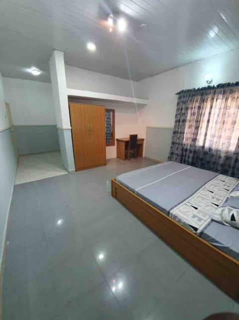 Large Clean Room in Prestigious Area of Onitsha
