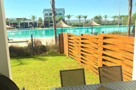 Beachfront 3 Bed Apt by The Capital Hotels Lagoon7