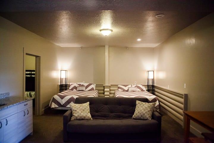 Lower Suite