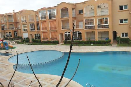 Belle appartement meublé à 150 m de la mer - Casablanca - Byt