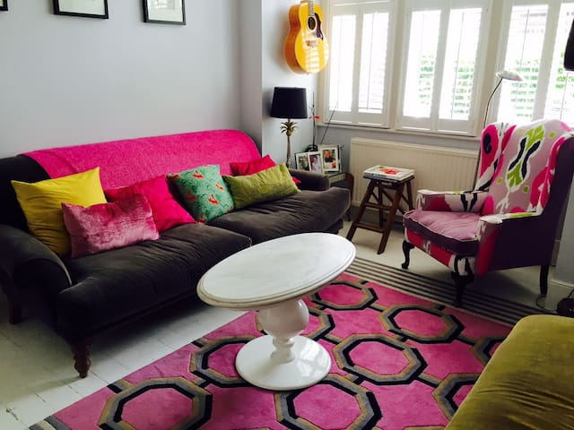 Stylish spacious Tooting house with garden - London - House