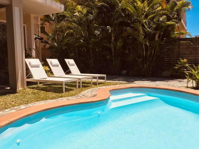 Nettes Ferienhaus / Villa mit Pool (2 - 4/6 P. )