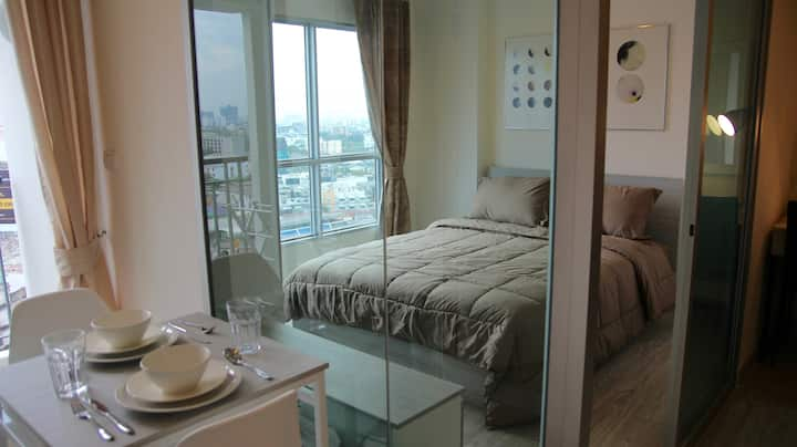 New Fully Furnished Apartment with a Rooftop Pool